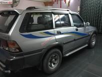 Bán xe Ssangyong Musso TDI 661 đời 2004, màu bạc ít sử dụng