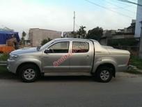 Toyota Hilux 3.0G năm 2009, màu bạc