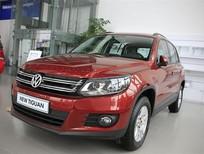 Bán xe Volkswagen Tiguan 2.0 TSI đời 2015, màu đỏ, nhập khẩu