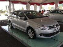 Bán Volkswagen Polo 6AT đời 2015, màu bạc, nhập khẩu chính hãng, giá 690tr