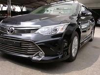 Cần bán xe Toyota Camry 2.0E, xe mới 100% chưa lăn bánh