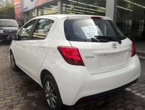 Cần bán xe Toyota Yaris 1.3 AT đời 2015, màu trắng, nhập khẩu
