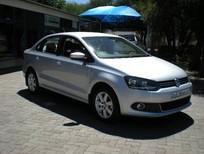 Bán xe Volkswagen Polo Sedan AT đời 2015, nhập khẩu nguyên chiếc giá cạnh tranh