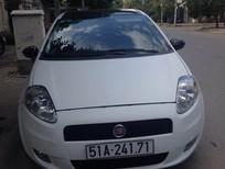 Xe Fiat Punto 2009 trắng được rao bán với giá chỉ 550 Tr