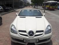 Bán Mercedes SLK 200 2010 màu trắng, nội thất đen, chính chủ từ đầu