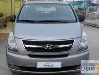 Cần bán Hyundai Starex sản xuất 2015, số sàn, giá tốt
