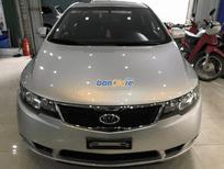 Cần bán xe Kia Cerato đời 2011, màu bạc, nhập khẩu chính hãng