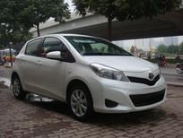 Bán xe Toyota Yaris đời 2015, màu trắng, nhập khẩu, 958 triệu