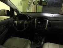Cần bán gấp Toyota Innova đời 2013, màu bạc, nhập khẩu chính hãng, giá tốt