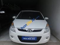 Bán ô tô Hyundai i20 AT đời 2011, màu trắng đã đi 46000 km