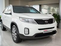 Bán ô tô Kia Sorento GAT 2.4L 2016, màu trắng