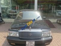 Bán ô tô Toyota Crown 3.0 Super Saloon đời 2000, màu đen đã đi 200000 km
