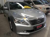 Toyota Đông Sài Gòn bán xe Camry 2.0E đời 2014, màu bạc, mới 95%