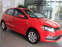 Volkswagen Đà Nẵng bán Polo Hatchback 2015, màu đỏ, nhập khẩu chính hãng. LH 0901.941.899 được hỗ trợ 100% thuế trước bạ