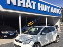Cần bán gấp Hyundai i20 AT năm 2010, màu trắng chính chủ