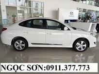 Cần bán Hyundai Avante mới 2016, màu trắng, nhập khẩu chính hãng giá cạnh tranh