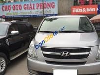 Chợ ô tô Giải Phóng bán Hyundai Starex đời 2012, màu bạc số sàn, giá 725tr