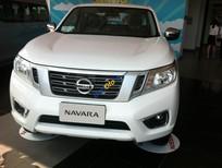 Cần bán xe Nissan Navara NP300 đời 2016, màu trắng, nhập khẩu nguyên chiếc, giá 625tr