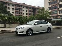 Cần bán Hyundai Avante 1.6AT màu trắng, 1 đời chủ