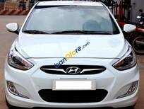 Cần bán Hyundai Accent Blue 1.4AT đời 2013, màu trắng số tự động, giá tốt