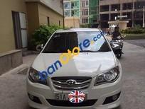Cần bán xe Hyundai Avante 1.6AT đời 2012, màu trắng còn mới, giá tốt