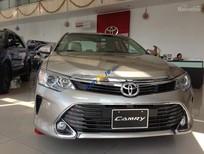 Cần bán Toyota Camry 2.0 E đời 2016, màu vàng nâu, liên hệ mua xe ngay