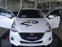 Cần bán xe Mazda 2 đời 2016, màu trắng, giá chỉ 590 triệu