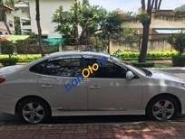Bán Hyundai Avante AT đời 2013, màu trắng số tự động, giá tốt