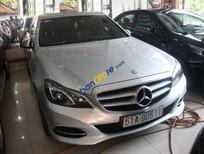 Cần bán Mercedes E250 năm 2013, màu bạc