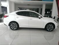 Cần bán Mazda 2 đời 2016, màu trắng