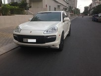 Cần bán Porsche Cayenne GTS 2009, màu trắng 5 chỗ.