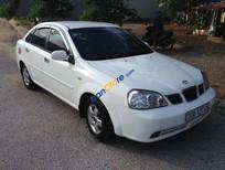 Xe Daewoo Lacetti sản xuất 2005, màu trắng