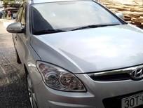 Cần bán lại xe Hyundai i30 CW 2009, màu bạc