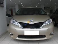 Cần bán xe Toyota Sienna đời 2011, màu vàng, nhập khẩu nguyên chiếc