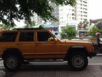 Cần bán xe cũ Jeep Cherokee năm 1998, màu vàng, nhập khẩu chính hãng, giá 135tr