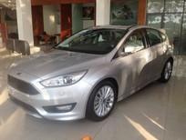 Cần bán Ford Focus 1.5L Ecoboost 2016, màu bạc, giá 769tr