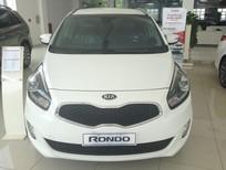 Kia Rondo GAT 2016, màu trắng, giá 690tr ưu đãi 30tr cùng nhiều quà tặng hấp dẫn khác tại Kia Vĩnh Phúc 0964778111