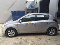 Cần bán lại xe Hyundai i20 AT đời 2012, màu bạc, giá tốt