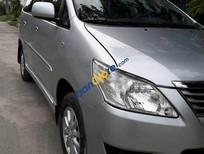 Cần bán lại xe Toyota Innova E đời 2013, màu bạc, giá 665tr