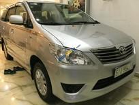 Cần bán lại xe Toyota Innova MT đời 2013, màu bạc chính chủ, giá tốt