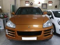 Cần bán xe Porsche Cayenne sản xuất 2008, màu vàng, nhập khẩu nguyên chiếc, số tự động