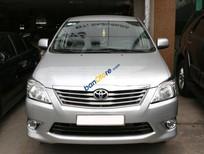 Cần bán lại xe Toyota Innova E sản xuất 2012, màu bạc số sàn, 675tr