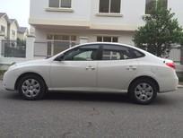 Cần bán xe Hyundai Elantra 1.6MT đời 2011, màu trắng, số sàn