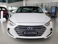 Bán xe Hyundai Elantra MT đời 2016, màu trắng, 585tr