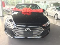 Bán xe Hyundai Elantra 2.0 AT đời 2016, màu đen