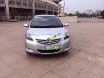 Cần bán xe Toyota Vios E đời 2013, màu bạc đã đi 30000 km, giá 490tr