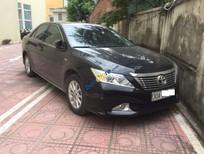 Cần bán gấp Toyota Camry 2.0E đời 2013, màu đen chính chủ
