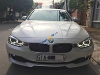Cần bán BMW 3 Series 320i đời 2014, màu bạc xe gia đình