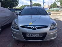 Cần bán xe Hyundai i30 CW năm 2011, màu bạc