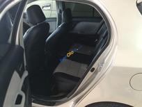 Cần bán gấp Toyota Yaris đời 2009, màu bạc, giá tốt